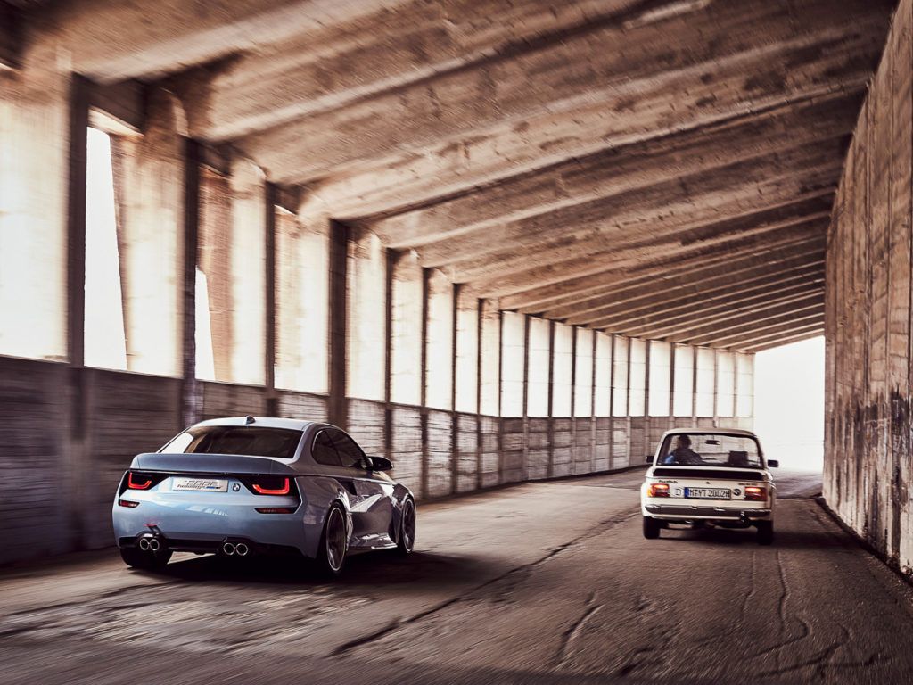 BMW-2002-Hommage-03